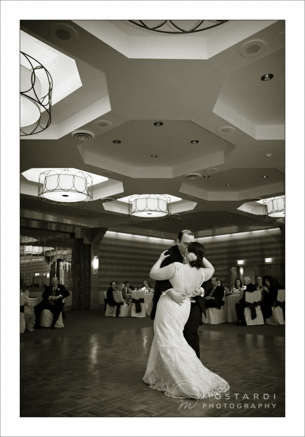 wedding photographer Doubletree Philadelphia